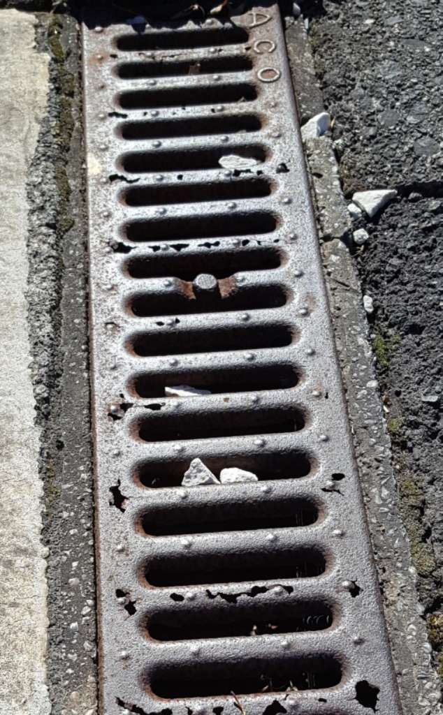 Some of the grates were also completely knackered.